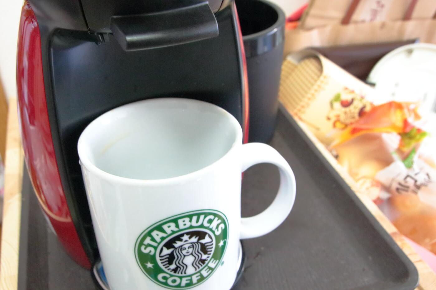 ドルチェグストにスターバックスのコーヒーカップをセット